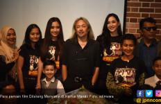 Film Dilarang Menyanyi di Kamar Mandi Angkat Cerita Hoaks di Masyarakat - JPNN.com
