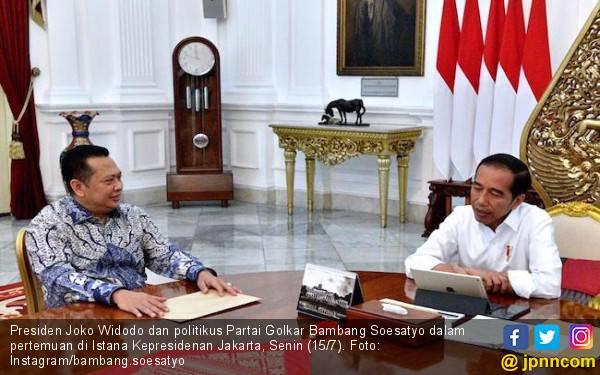 Empat Mata dengan Jokowi di Istana, Bamsoet di Atas Angin Dibanding Airlangga - JPNN.com