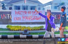 Kecewa sama Bima Arya, Mahasiswa Segel Balai Kota Bogor - JPNN.com