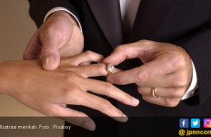 99 Pasangan Malaysia Menikah di Tanggal Keberuntungan - JPNN.com