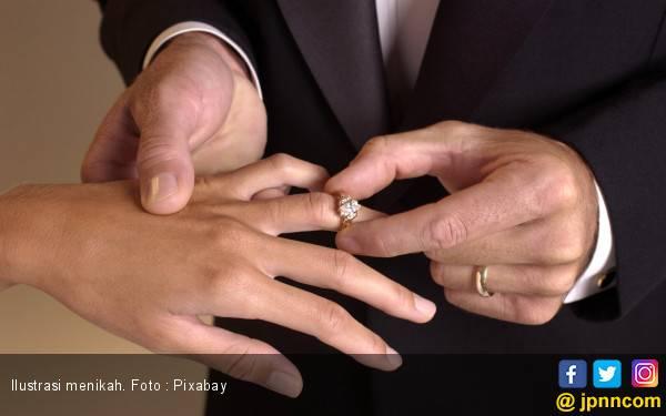 Sah, Usia 19 Tahun Batas Minimal Boleh Menikah - JPNN.com