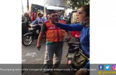 Driver Taksi Online dan Sopir Bajaj Bertengkar, Penumpang Berteriak Histeris - JPNN.com