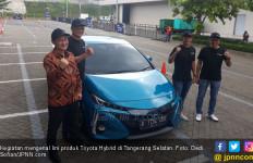 Toyota Klaim Biaya Perawatan Rutin Mobil Hybrid Beda Tipis dari Mobil Konvensional - JPNN.com