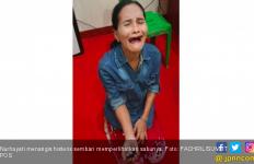 Nurhayati Menangis Histeris Saat Tertangkap Selundupkan Sabu ke Rutan - JPNN.com