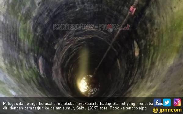 Slamet Nekat Terjun ke Sumur Sedalam 10 Meter, Tetapi Nyawa-nya Masih Selamat - JPNN.com