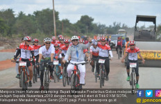 Menpora dan Bupati Merauke Lepas Tim Jelajah Sepada Nusantara 2019 - JPNN.com