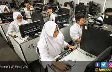 Ingat ! Sekolah Tak Boleh Ambil Keuntungan Penjualan Seragam Saat PPDB - JPNN.com