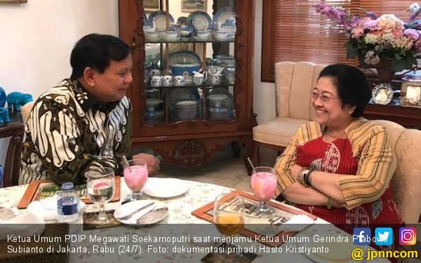 Analisis Kang Ujang soal Sinyal Kuat PDIP buat Gerindra dari Pertemuan Megawati dan Prabowo - JPNN.com