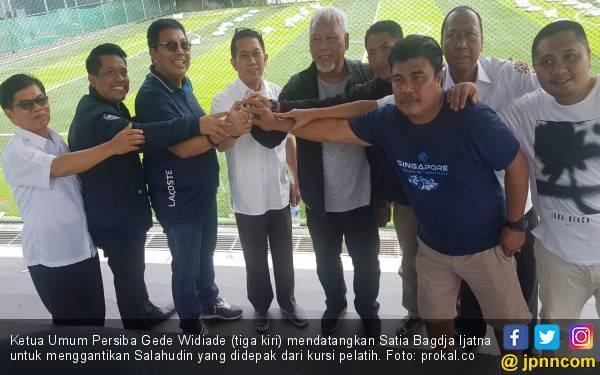 Gede Widiade Tunjuk Satia Bagdja Jadi Pelatih Baru Persiba Balikpapan - JPNN.com