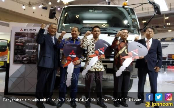 Mitsubishi Fuso Terus Lanjutkan Pendidikan Vokasi di Indonesia - JPNN.com
