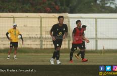 Permainan Barito Putera Membaik, Djadjang Nurdjaman Puji Bayu Pradana - JPNN.com