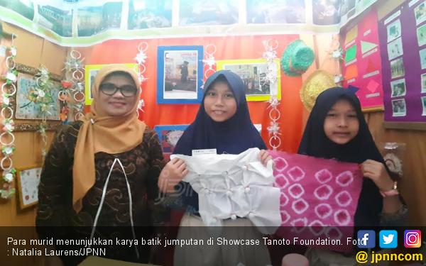 Ternyata Membuat Batik Jumputan Jambi tak Sulit, Lihat Nih Caranya - JPNN.com