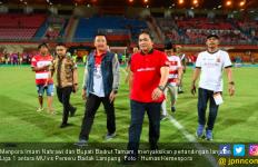 Laga MU vs Perseru Badak Lampung, Menpora Turun ke Lapangan dan Salami Pemain - JPNN.com
