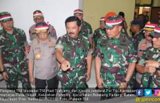 Prajurit di Perbatasan Dapat Kunjungan Dua Komandan Tertinggi - JPNN.com