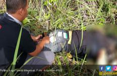 Serang Petugas Pakai Pisau, Begal Sadis Tewas Ditembak - JPNN.com