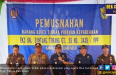 Bea Cukai Aceh Musnahkan Bawang Merah Ilegal - JPNN.com