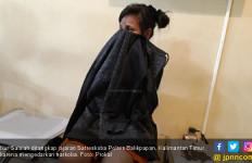 Tutupi Badan Pakai Kain, Nur Salsiah: Lumayan Buat Makan, Mas - JPNN.com