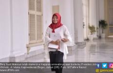 Usai Bertemu Jokowi, Baiq Nuril: Beliau Tanya Saya Masih Bekerja atau Berhenti - JPNN.com