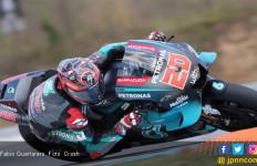 Fabio Quartararo Paksa Marc Marquez Gigit Jari di FP2 MotoGP Ceko - JPNN.com