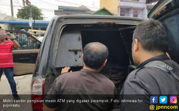 Mobil Vendor Pengisi Mesin ATM Dirampok, Pelaku Gondol Uang Ratusan Juta - JPNN.com