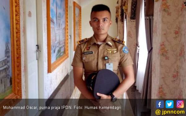 Mohammad Oscar, si Ganteng Putra Buruh Pabrik, jadi CPNS Lulusan IPDN - JPNN.com
