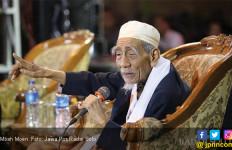 Mbah Moen Pengin Meninggal di Makkah pada Hari Selasa, Masyaallah - JPNN.com
