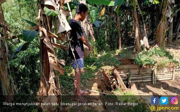 Waspada, Dua Desa Mengalami Pergerakan Tanah - JPNN.com