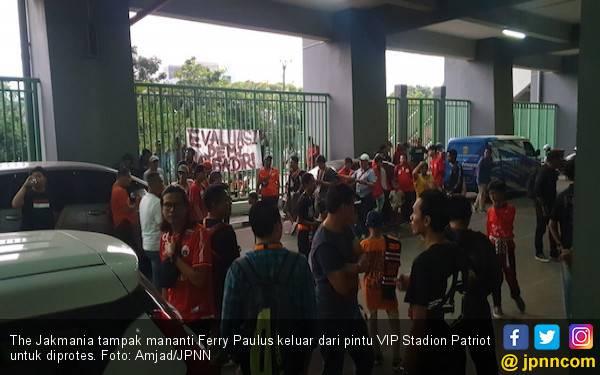 The Jakmania: Kami Kecewa Ferry Paulus, Persija Kami Buruk Sekali - JPNN.com