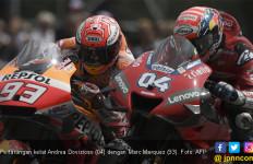 Mendebarkan, Dovi Kalahkan Marquez di MotoGP Austria - JPNN.com