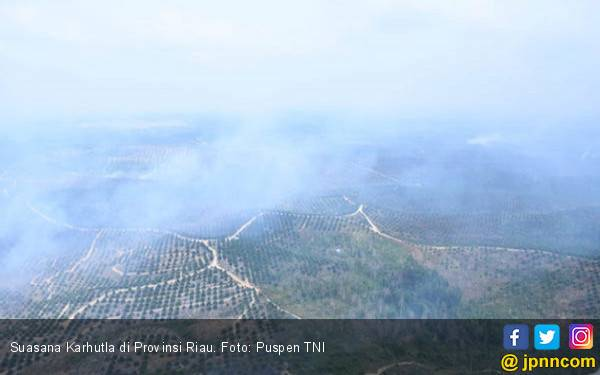 Asap Karhutla Memasuki Wilayah Perbatasan Kalbar dan Malaysia - JPNN.com