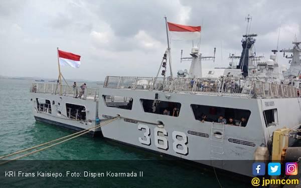 KRI Frans Kaisiepo Tiba di Batam Jelang Latma SEA Garuda 2019 - JPNN.com