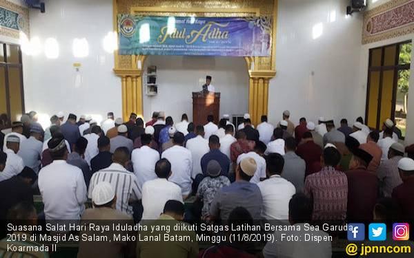 Satgas Latma SEA Garuda 2019 Merayakan Idulaadha di Lana Batam - JPNN.com