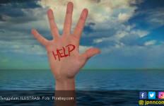 Kapal Nelayan Digulung Ombak, Tiga Orang Hilang, Dua Selamat - JPNN.com