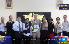 Fasilitas KITE Pembebasan Tingkatkan Laba Produsen Sarung Tangan Yogya - JPNN.com