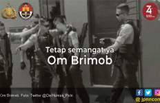 7 Anggota Brimob Gerebek Rumah, Saat Pintu akan Dihancurkan, Sedih.. - JPNN.com
