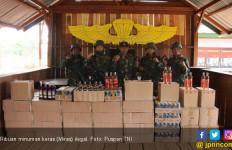 Prajurit TNI Pamtas RI-PNG Berhasil Amankan 3.333 Botol Miras Ilegal - JPNN.com