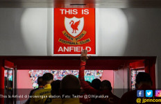 Sekarang Pemain Liverpool Boleh Menyentuh This Is Anfield di Terowongan Stadion - JPNN.com