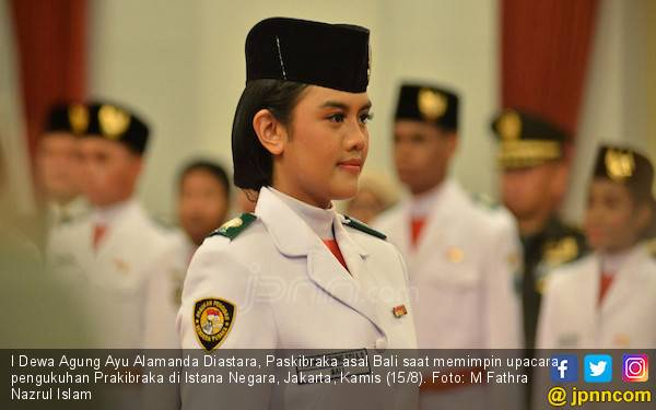 Potret Ayu Alamanda, Paskibraka Cantik yang Pimpin Upacara di Istana - JPNN.com