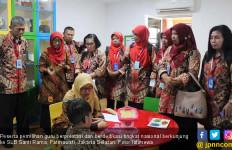 Peserta Pemilihan Guru Berprestasi Berbagi Inovasi Pembelajaran di SLB Santi Rama - JPNN.com