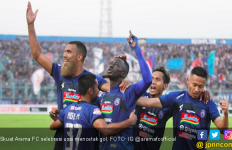 Arema FC Hancurkan Persebaya, Menang Empat Gol Tanpa Balas - JPNN.com
