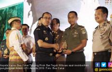 12 Tahun Berkarya, Bea Cukai Tanjung Priok Beri Penghargaan pada Stakeholder Terbaik - JPNN.com