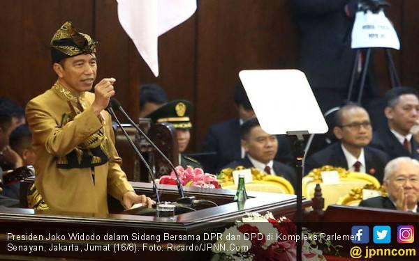Sampaikan RAPBN 2020 ke DPR, Jokowi Pertahankan Gaji ke-13 dan THR - JPNN.com