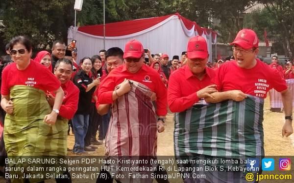 Kemeriahan Lomba Balap Sarung Elite PDIP di HUT RI - JPNN.com