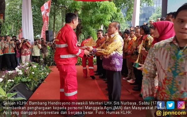 KLHK Apresiasi Anggota Manggala Agni dan Masyarakat Peduli Api - JPNN.com