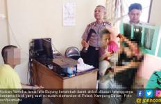 Gegara Pohon Kelapa, Dua Keluarga Bertetangga Cekcok hingga Main Bacok - JPNN.com
