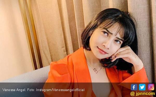 Vanessa Angel Pernah Mau 'Dijual' Ayahnya? - JPNN.com