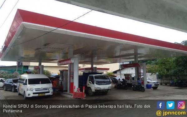 Terus Dikawal Petugas, 7 SPBU di Kota Sorong Beroperasi Normal - JPNN.com
