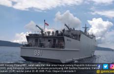 Dua Kapal Perang Sulit Evakuasi Penumpang KM Santika Nusantara, Begini Alasannya - JPNN.com