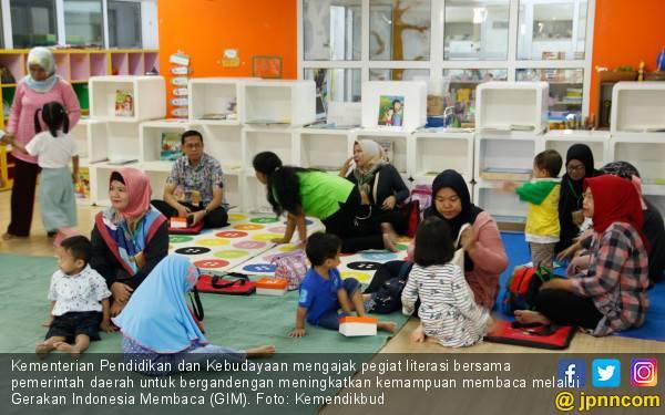 Gerakan Indonesia Membaca Tingkatkan Literasi Masyarakat - JPNN.com