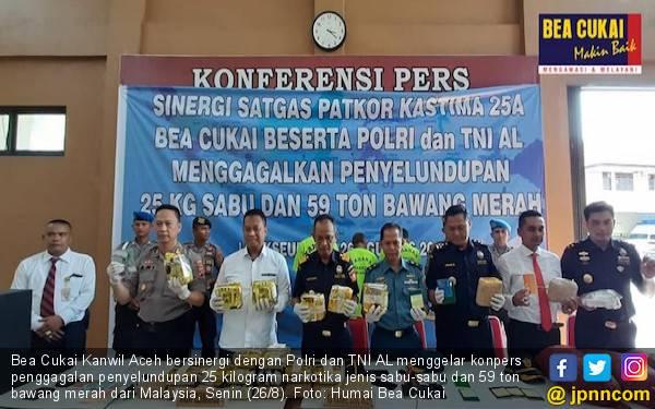 Bea Cukai Aceh Menggagalkan Penyelundupan Sabu-sabu dan Bawang Merah - JPNN.com